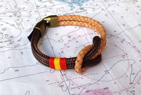 Pulsera náutica de cuero con bandera española